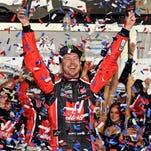 Kurt Busch wins crash-marred Daytona 500 with last-lap pass