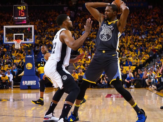 NBA: Playoffs-San Antonio Spurs at Golden State Warriors