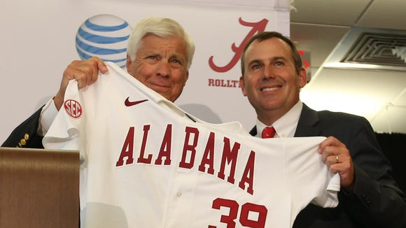 Alabama athletic director Bill Battle and new Crimson