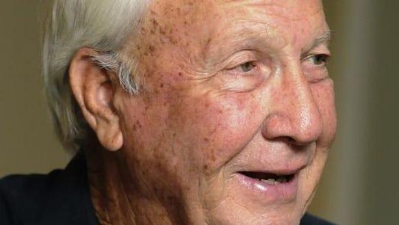 Former Auburn coach Pat Dye was against the SEC title