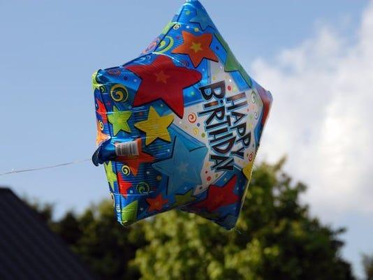 birthday_12754576_ver1.0_640_480.jpg