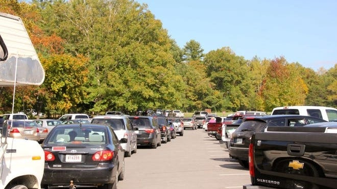 Cars lined up to enter Great Smoky Mountains National Park.