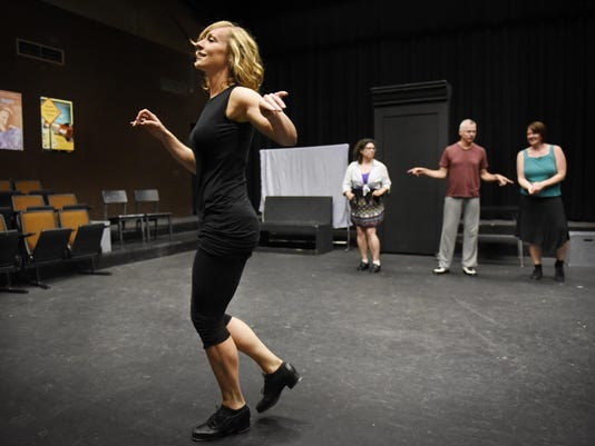 STC 0713 Dance 1