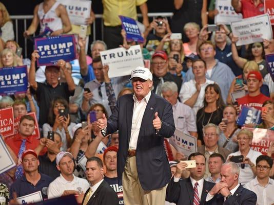 081916-dy-Trump0283
