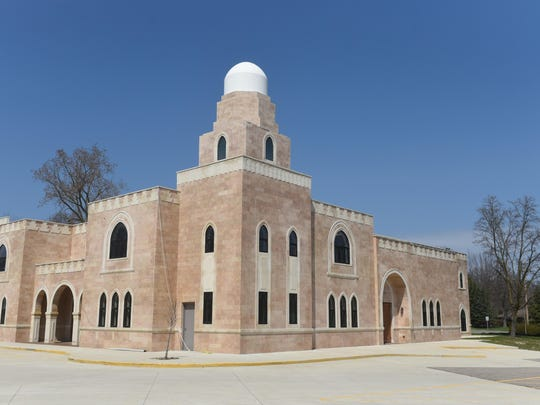 Leaders at the Anjuman-e-Najmi mosque in Farmington Hills are in charge of following orders from the Bohras' spiritual leader in India.
