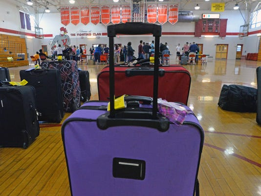 -VHS Luggage Check 2.jpg_20140421.jpg