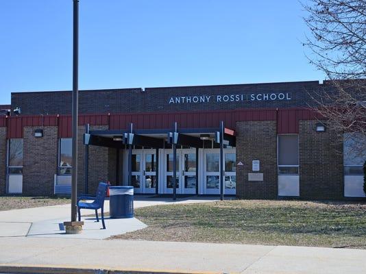 -Rossi School.jpg_20140401.jpg