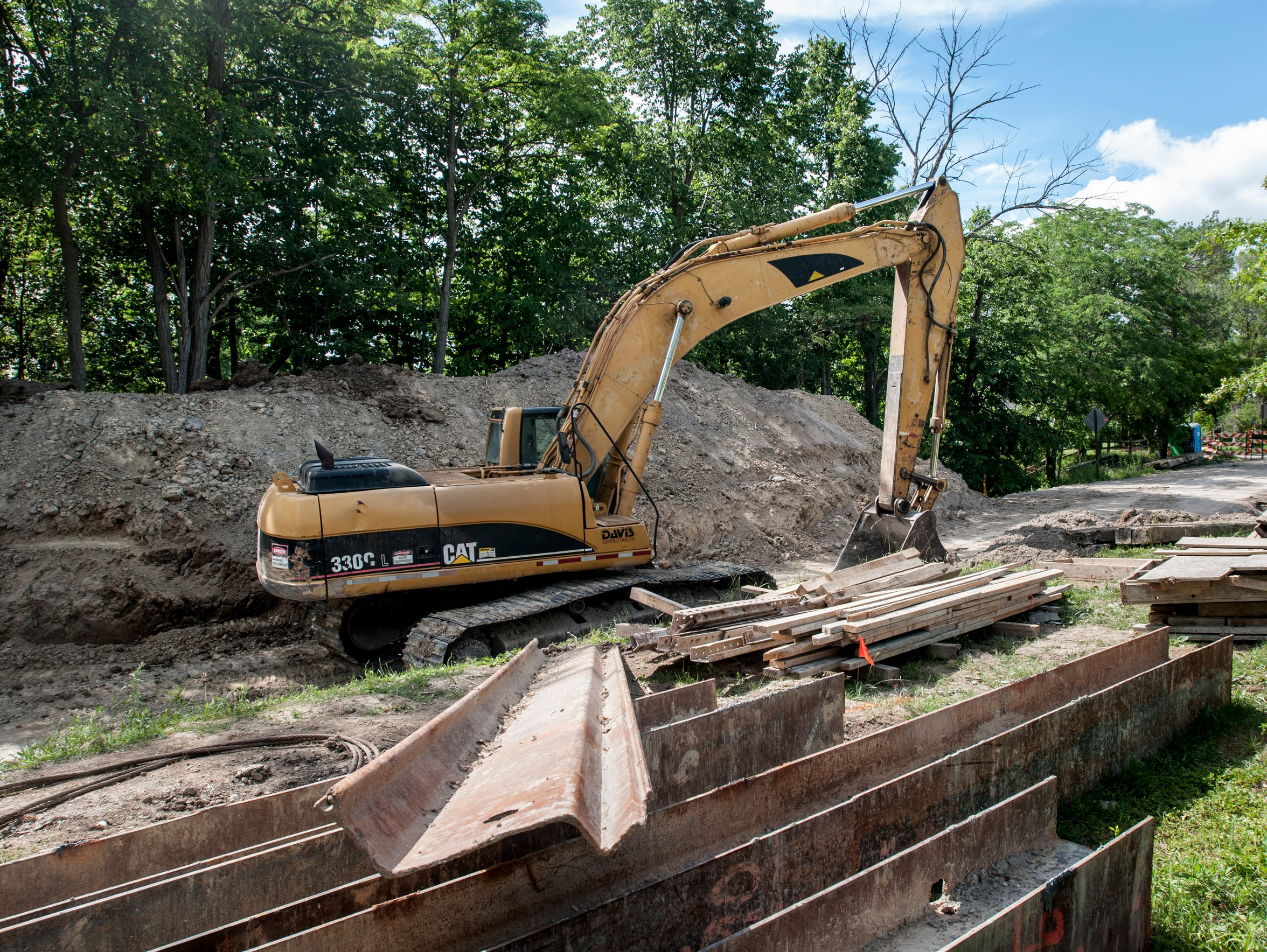 Work to replace the Hessen Road bridge over Swan Creek