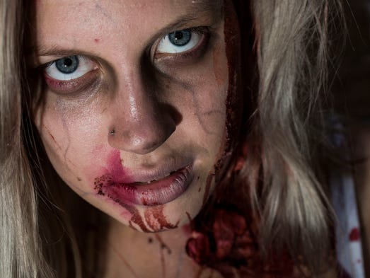 Lina Deruiter dresses like a  zombie during the Downtown