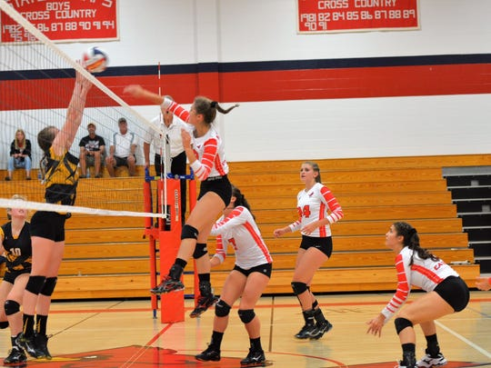 Pacelli and Rosholt volleyball battle in a Central Wisconsin Conference-South Division matchup on Tuesday.