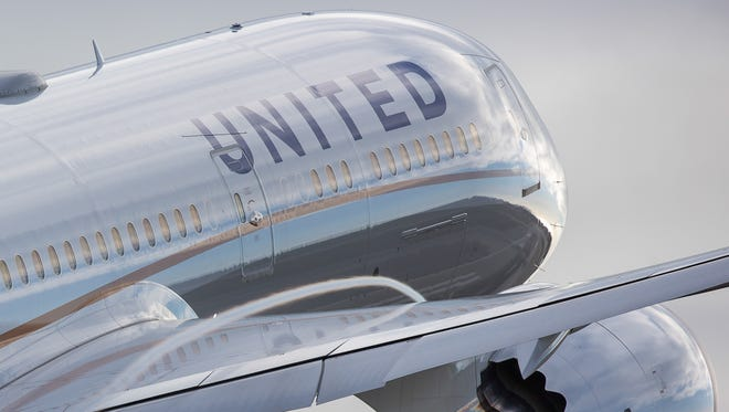 A United Airlines Boeing 787 Dreamliner  takes off from Los Angeles International Airport in March 2017.