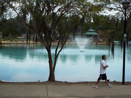 -Lake Ella.JPG_20150901.jpg