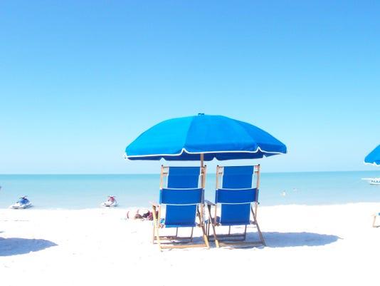 beach-chairs-1401253