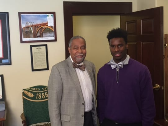 Kyree meets with Sen. Gerald Neal