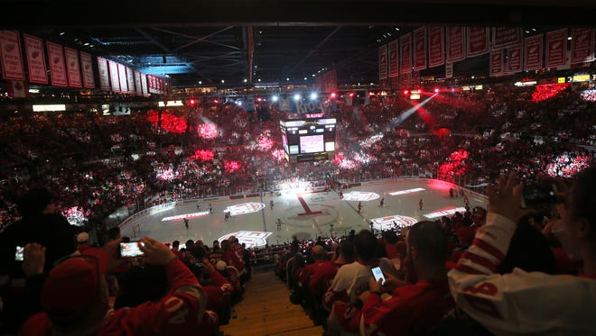 Red Wings fans react during pregame ceremonies against the Devils on Sunday, April 9, 2017 at Joe Louis Arena in the final Wings game at the Joe before the team moves into Little Caesars Arena.