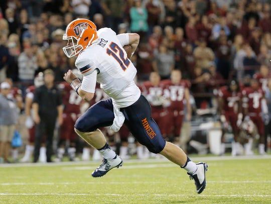 UTEP backup quarterback Ryan Metz scores the game-tying