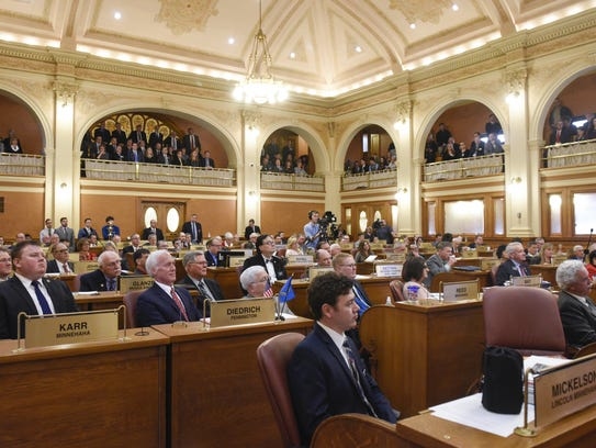Lawmakers wait for the 2018 State of the State address