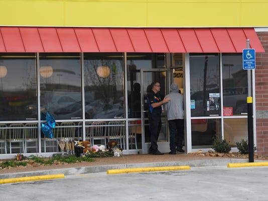 Nas-Waffle House opens