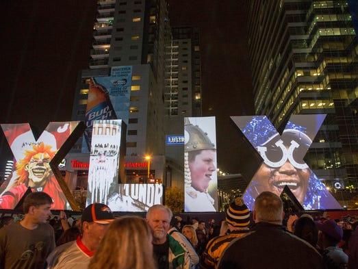 Football fans enjoys sound slideshow of NFL playoff