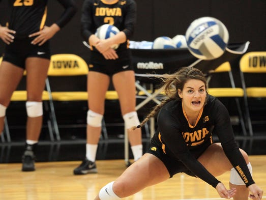 Former West Liberty standout Molly Kelly dives for