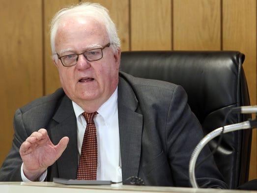 Congressman Jim Sensenbrenner speaks to constituents