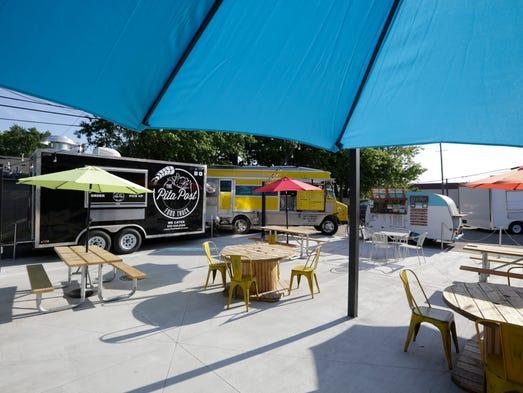 Detroit Fleat, Food Truck Park and Boozery prepares