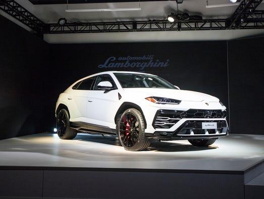 lamborghini's 2019 urus unveiled at mocad detroit auto show event