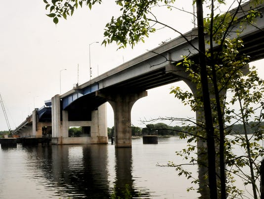 636295932196662063-DCA-1116-bayview-bridge.jpg