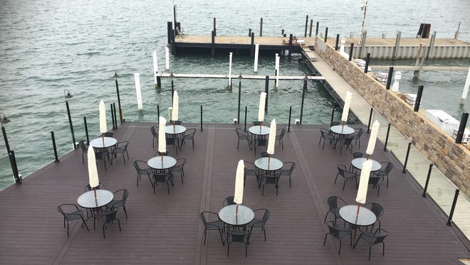 The Waterfront Restaurant and Lounge in Wyandotte will host a fireworks viewing buffet Monday.