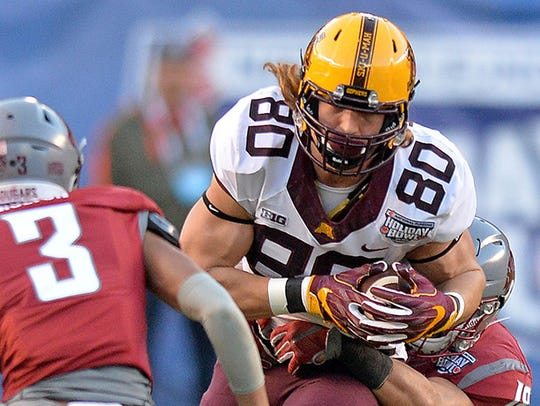 Minnesota Golden Gophers tight end Nate Wozniak (80)