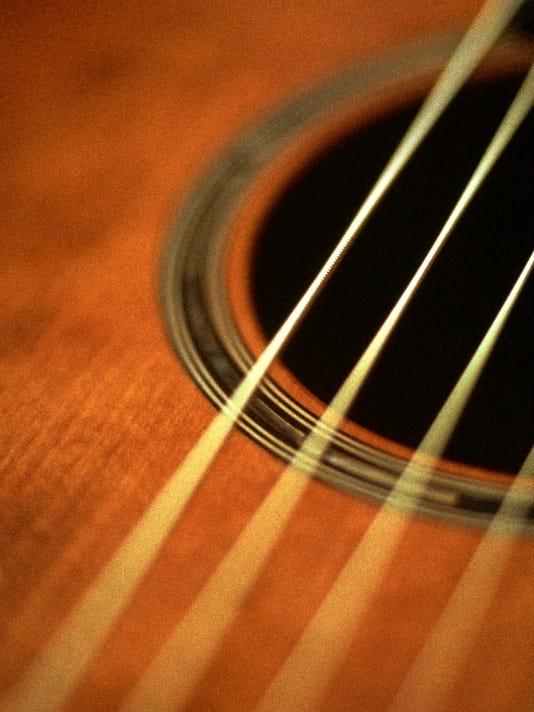 635494510851915685-guitar