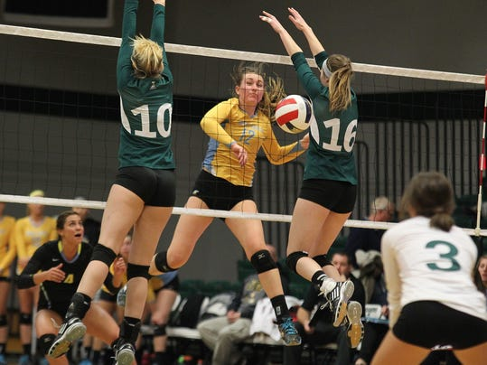 -ugf volleyball.jpg_20141114.jpg