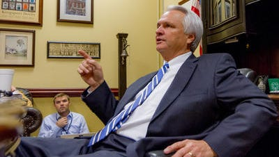 Lt. Gov. Ron Ramsey speaks to reporters last fall. (FILE PHOTO)