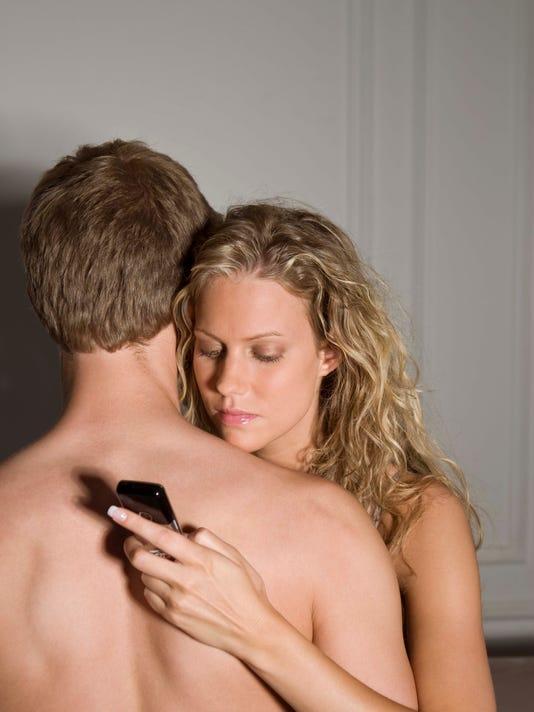 635844968589394136-sexting.jpg