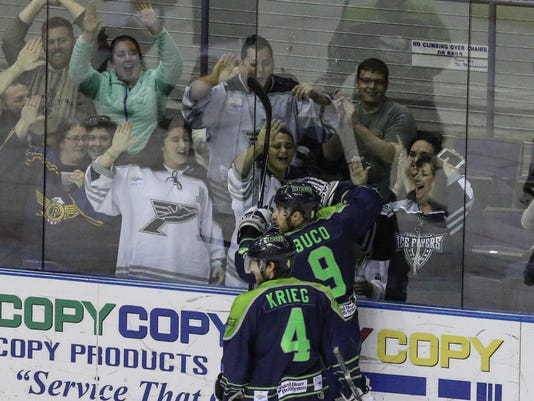 2016-0320-iceflyers-rivermen-0007