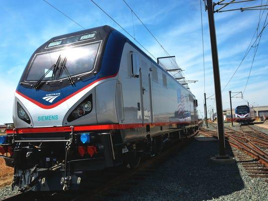-MORBrd_05-14-2013_Daily_1_A005~~2013~05~13~IMG_Amtrak_sprinter_loco_1_1_RQ4.jpg