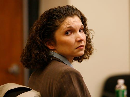 Did star lawyer botch suitcase murder case?