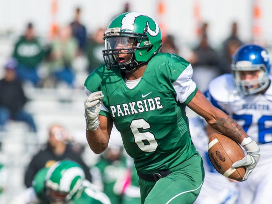 Parkside running back Tavon Downing (6) rushes against