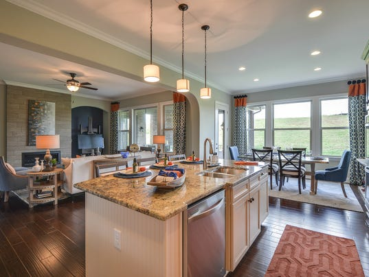 636488712096701033-Dreees-kitchen-ddining-living.jpg