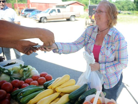 cos 07xx farmers markets 001.JPG