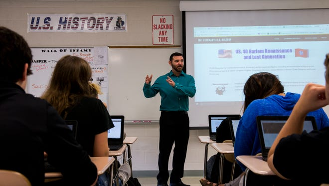 Kenneth Freeman, U.S. History teacher for Clarksville High School, teaches his students about the Harlem Renaissance and Lost Generation on November 1, 2017.