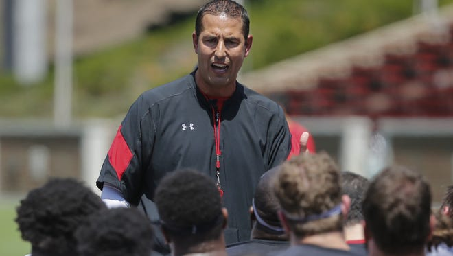 Cincinnati Bearcats football coach Luke Fickell has landed the No. 1 recruiting class for 2018 among both AAC and Group of Five teams, according to analysts.