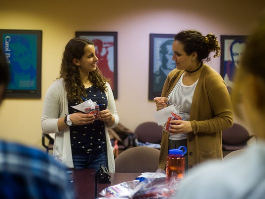 HES-SD-110316-college-dems-4.jpg
