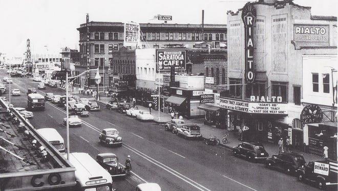 Looking east down Washington Street from Central Avenue in downtown Phoenix. The Fox theater can be seen at its location of Washington and First Street.