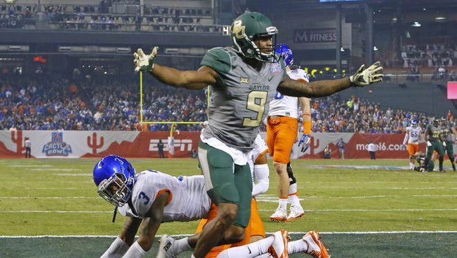 Baylor Bears wide receiver KD Cannon (9) celebrates after hi touchdown against the Boise State Broncos in the first quarter of the Cactus Bowl Tuesday, Dec. 27, 2016 in Phoenix, Ariz.