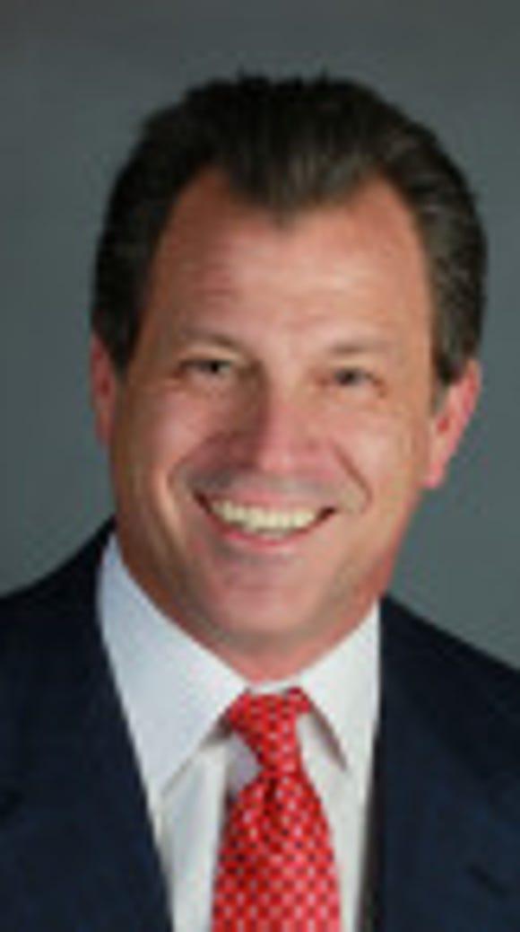 Auburn hired Alabama's Lance Thompson to coach linebackers.