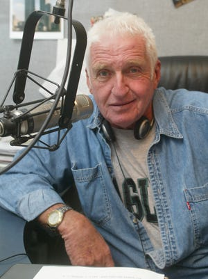 WOBM's Bob Levy, seen in this 2004 file photo, is retiring from his daily morning show.