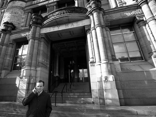 Cranley leaves City Hall to attend a ribbon cutting