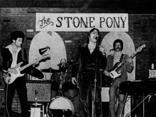 Southside Johnny and the Asbury Jukes performing at the Stone Pony in 1977.