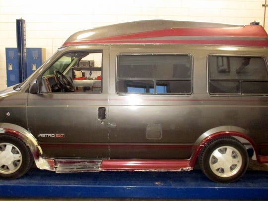 This 1993 Chevrolet Astro Van carried marijuana with